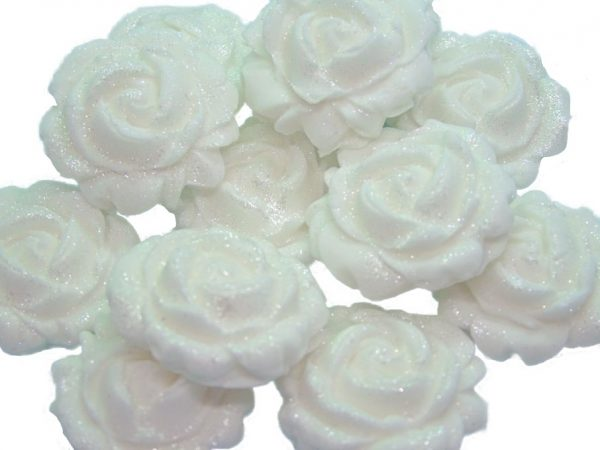 New small roses white